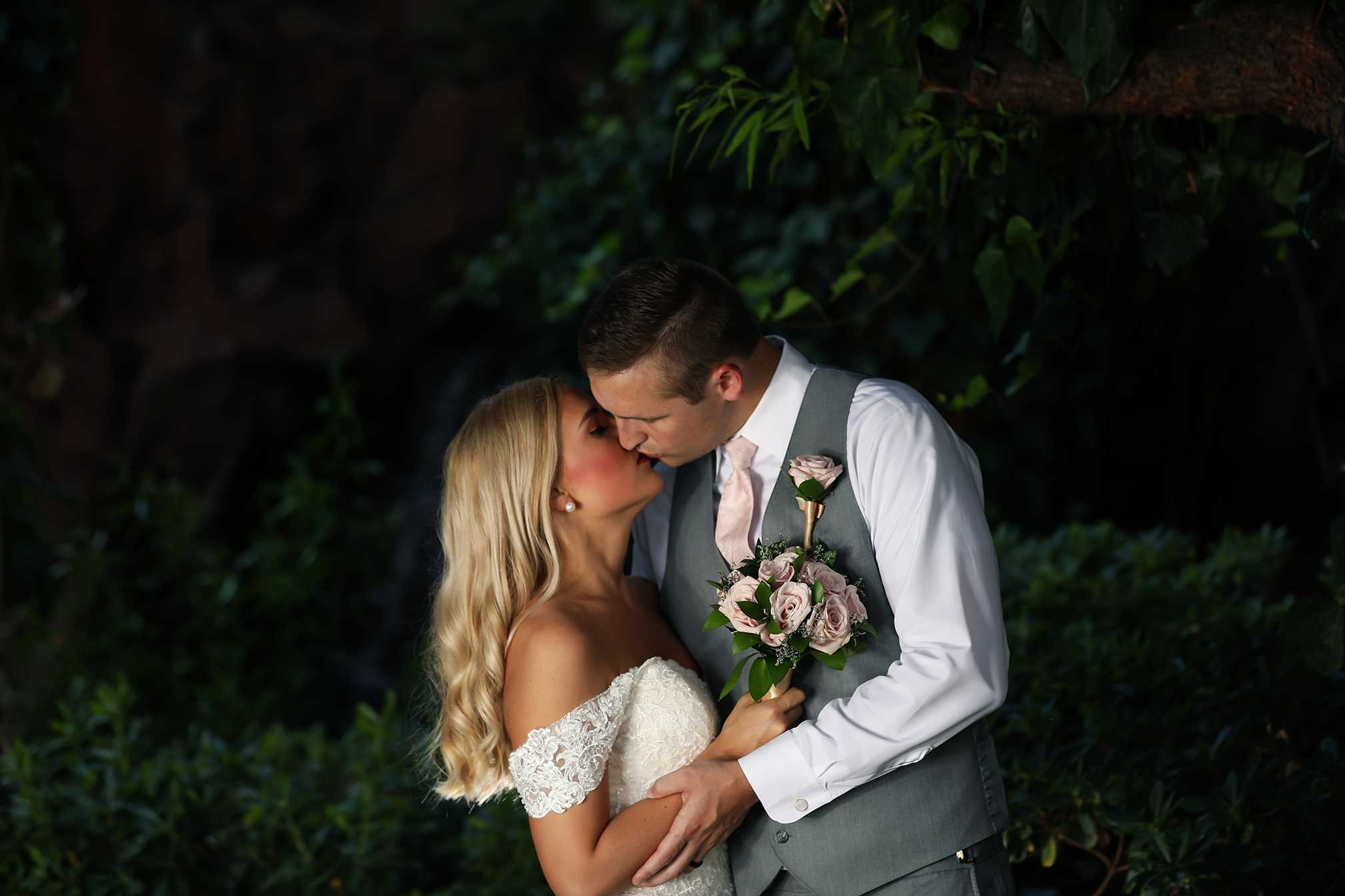 The best wedding photography in vegas