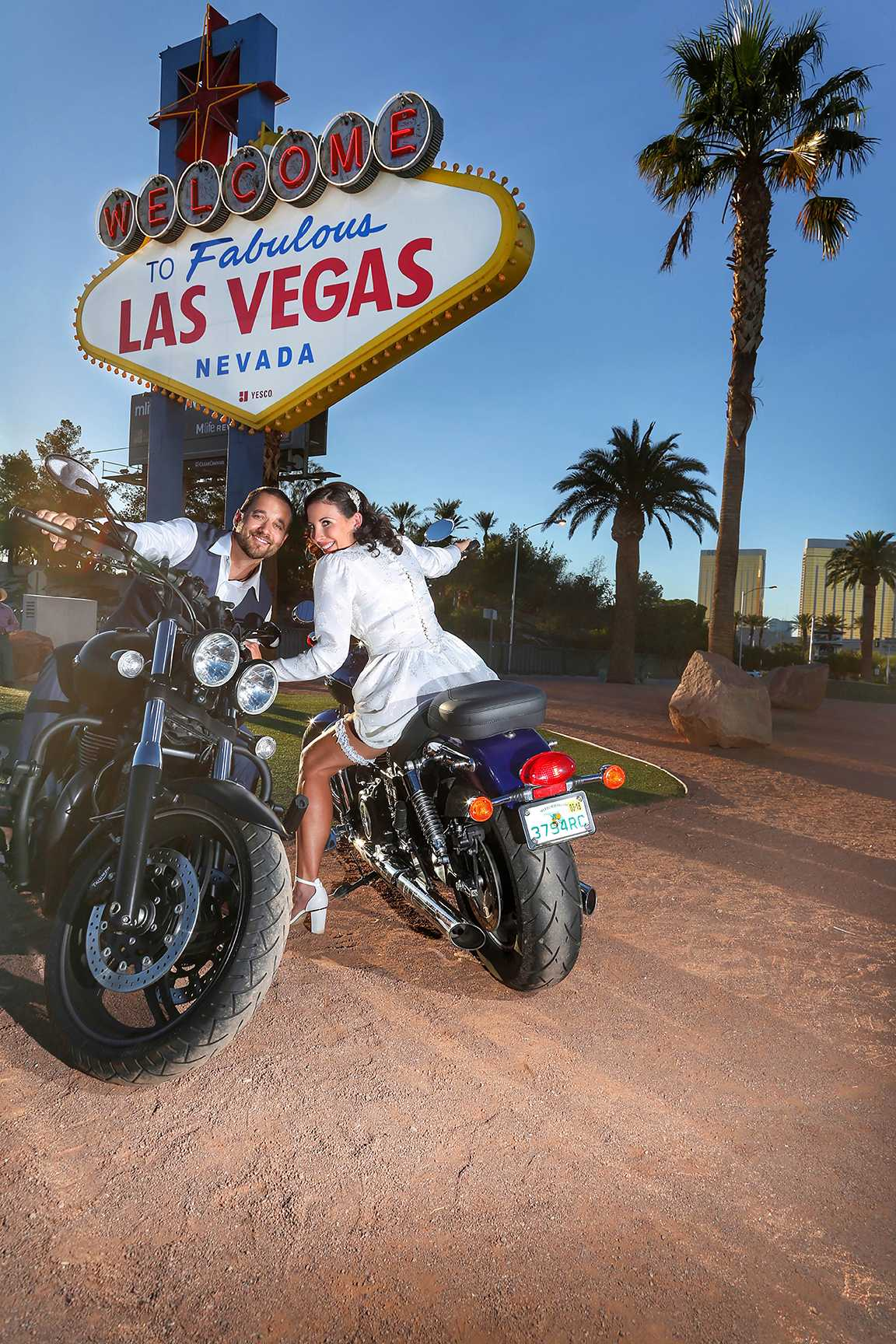 Welcome to las vegas Sign Professional Wedding Photography